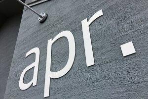 美容院 切り文字 看板 300x200 - 【岐阜県瑞穂市】新しくオープンされた美容院のロゴ切り文字看板・自立看板の看板施工を担当させて頂きました。