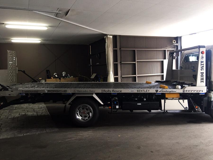 r020210 車のロゴ カッティングシート - 【岐阜県岐阜市】トラック・積載車に社名ロゴ・ブランドロゴなどのカッティングシート貼りを担当しました。(3台目のご注文)